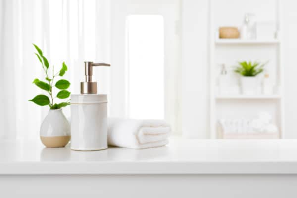 What plants thrive in the bathroom?